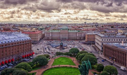 Петербург вошел в топ-5 лучших городов России для пеших прогулок