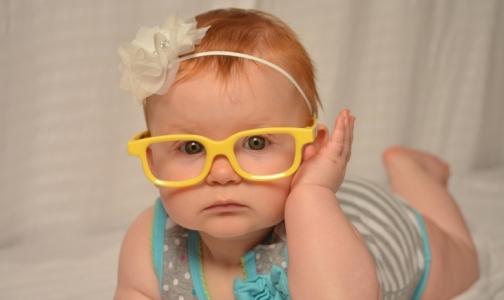 Близорукое человечество. Как мы «помогаем» своим детям стать очкариками