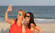 Ученые: увлечение селфи вызывает преждевременное старение кожи