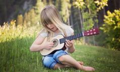 Ученые: увлечение музыкой помогает подросткам добиваться больших успехов в школе