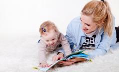 Петербургские психологи призвали девушек не вестись на уговоры чиновницы рожать сразу после школы