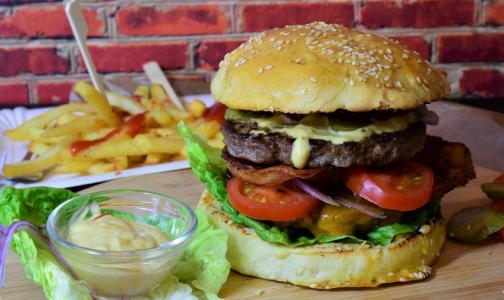 Эксперты выбрали самый низкокалорийный бургер из сетевых ресторанов