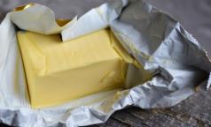 Эксперты назвали марки фальшивого сливочного масла из магазинов Петербурга