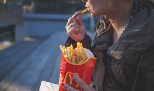 Ученые назвали продукты, которые усиливают депрессию