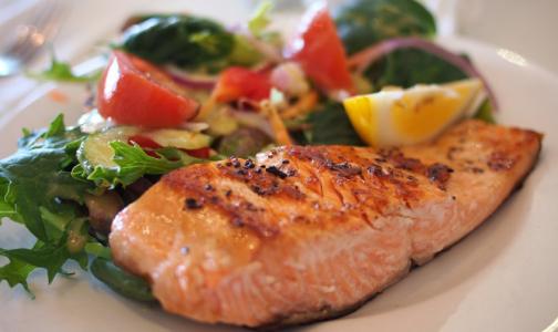 Российские ученые выяснили, какая рыба опаснее - фермерская или дикая