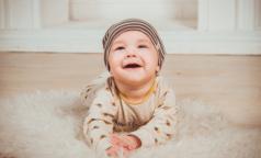 Ежемесячные пособия по уходу за ребенком увеличатся до 12 тысяч в месяц
