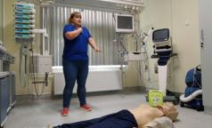 Врач: Если рядом с вами умирает человек, «качайте» - сломанные ребра лечатся, а смерть - нет