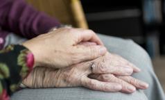 Те, кому за 100. Самые пожилые мужчина и женщина Петербурга живут в одном районе
