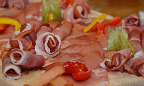 Челябинцев накормили колбасой с африканской чумой