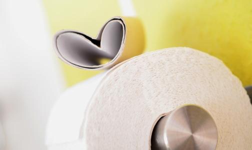 Разгневанный петербуржец требует обеспечить больницы туалетной бумагой