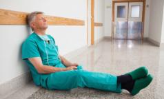 Как менять, ничего не меняя? Руководители петербургских больниц не поддержали Леонида Рошаля