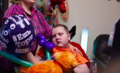 Россияне требуют вернуть тяжелобольному ребенку лекарство, конфискованное у его матери