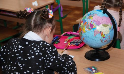В еще одной школе Петербурга - менингит. Роспотребнадзор сообщает о росте заболеваемости