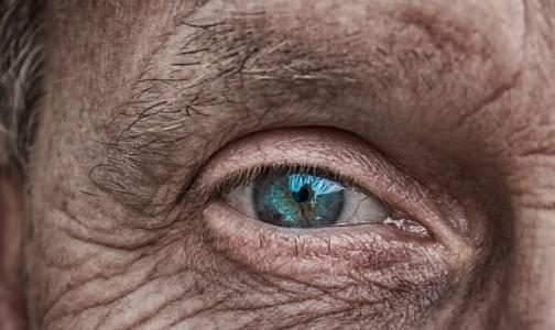 Названы симптомы рака мозга, которые путают с проявлениями старения