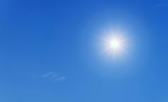 Врачи: недостаток солнечного света можно восполнить едой и яркой одеждой