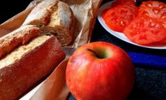 Петербургский академик назвал самые «умные» продукты
