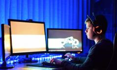 Петербургский академик: Компьютеры разрушают связи нейронов в мозге, отвечающие за память