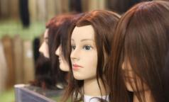 Ученые: окрашивание и химическое выпрямление волос повышают риск развития рака груди
