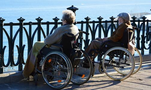 В Минздраве ответили на слухи об отказе пожилым в высокотехнологичной медпомощи