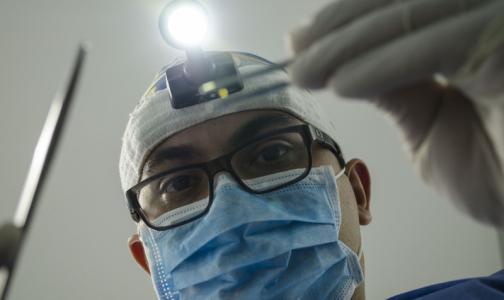 Суд заставил стоматологическую клинику заплатить за испорченную улыбку петербурженки