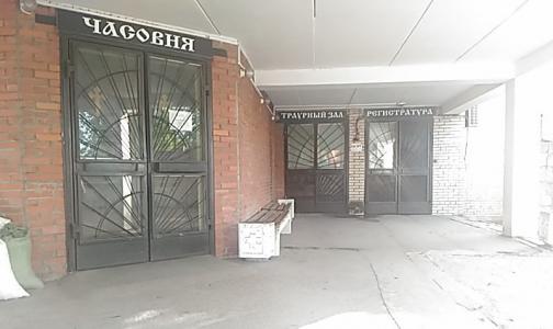 Главный санитарный врач Петербурга предписал хоронить пациентов с Covid в цинковых гробах