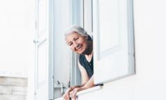 В комздраве рассказали, как пожилым петербуржцам-льготникам получить лекарства, не выходя из дома