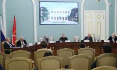 Семь федеральных клиник Петербурга перепрофилируют для пациентов с COVID-19 раньше срока