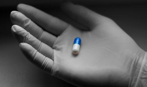 «У нас нет пациентов на ИВЛ». Врачи Киришской больницы снижают тяжесть пневмонии «древним» препаратом