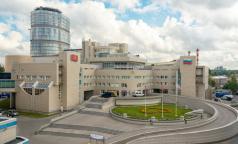 Федеральные клиники Петербурга «очищаются»: «Жизнь в ковиде нас изменила»