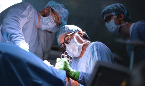 Петербургские врачи удалили гигантскую - 4-килограммовую опухоль у 12-летнего мальчика