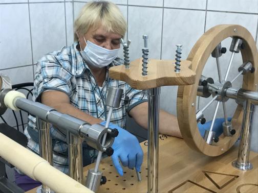 Петербурженка «выиграла» оборудование для помощи пациентам после инсульта