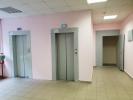 Боткинские «бараки» дождались ремонта. Начали с покраски стен: Фоторепортаж